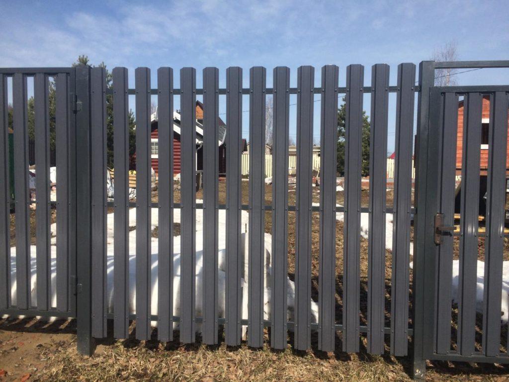 Забор из металлоштакетника под ключ