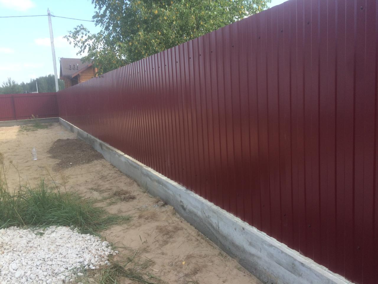 Строим забор из профнастила самостоятельно