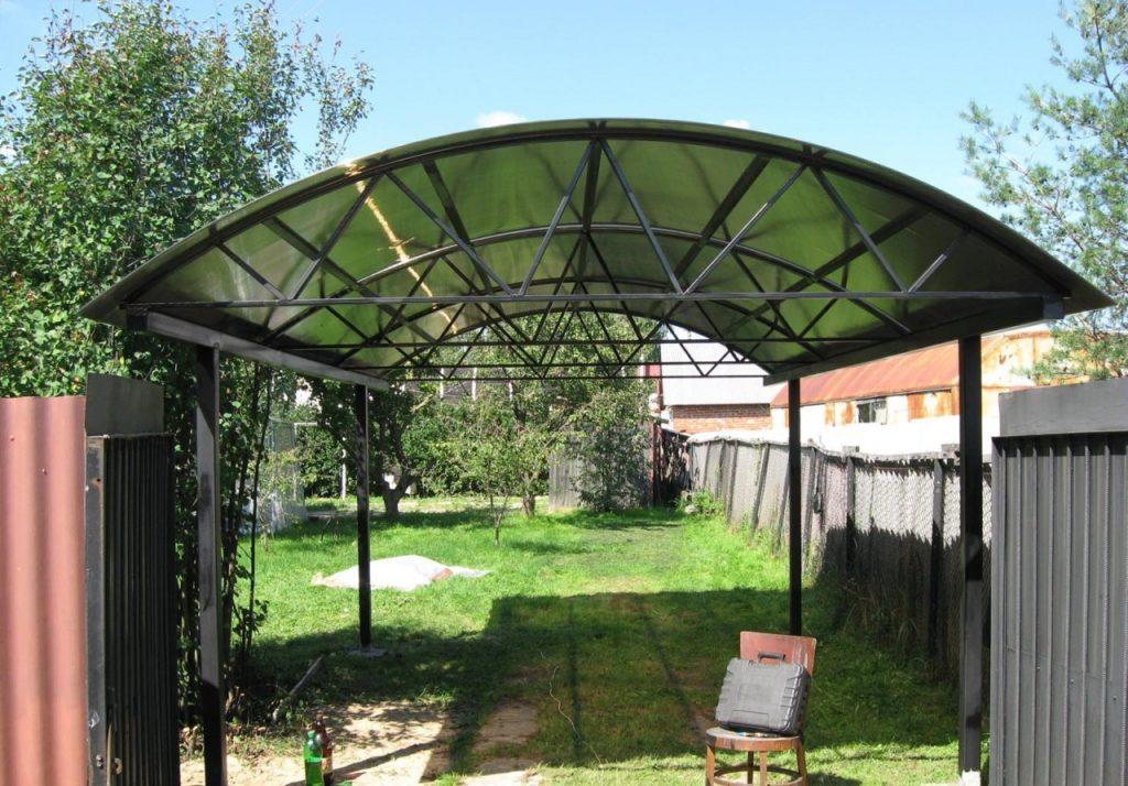 Установка арочных навесов из поликарбоната