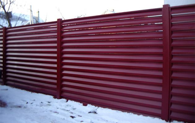 Заборы жалюзи металлические в Казани